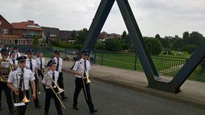 Marsch über die EmsbrückeMarsch über die Emsbrücke